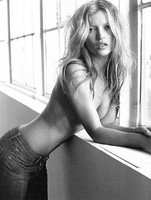 Kate Moss - 53